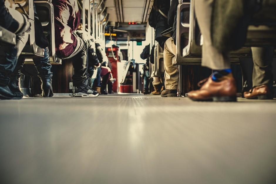 bus-people-512468